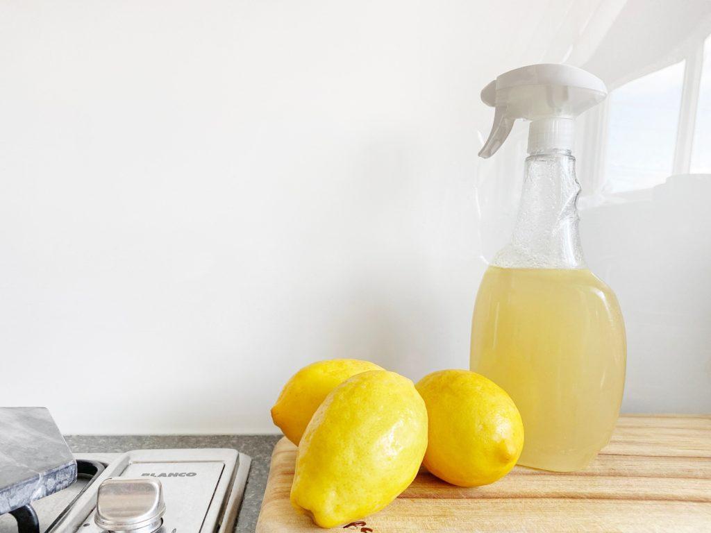 レモンとお酢のお掃除クリーナー